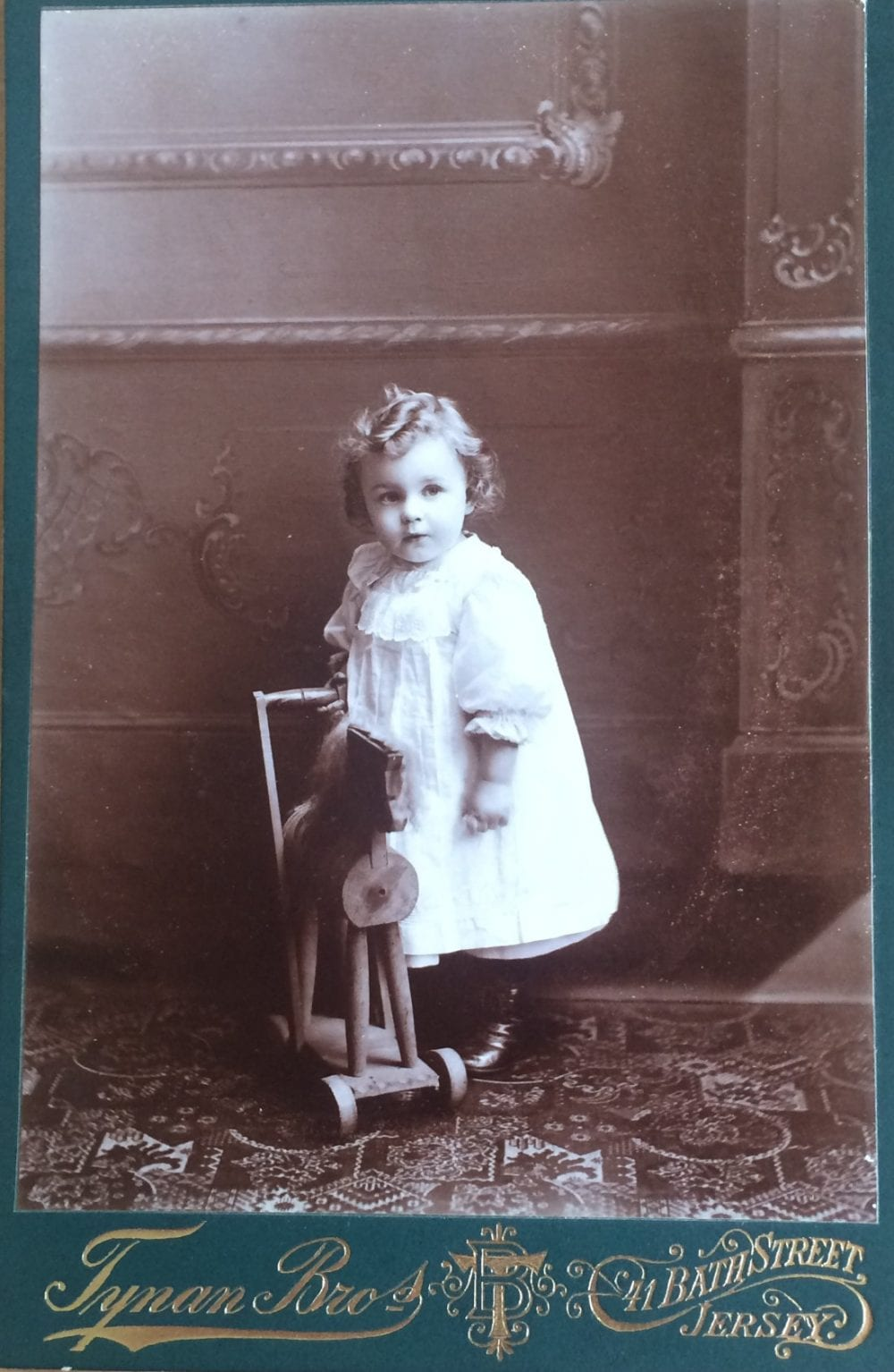 Cabinet Card 1890s 3
